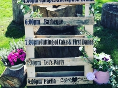 Rustic pallet wedding signage