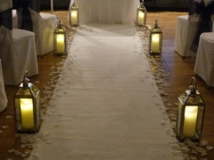 ceremony-with-silver-lanterns-and-dancing-flame-candles